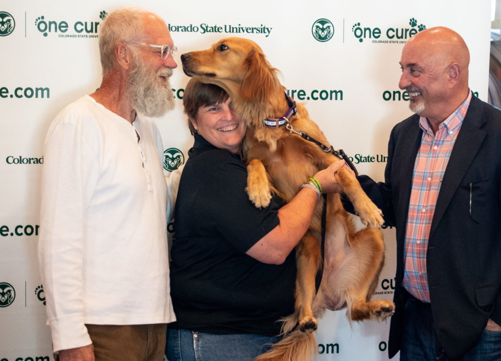 David Letterman And Bobby Rahal Greet A Client Of The Csu James L Voss Veterinary Teaching Hospital During A Visit To The Flint Animal Cancer Center
